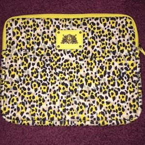 Juicy couture I pad case